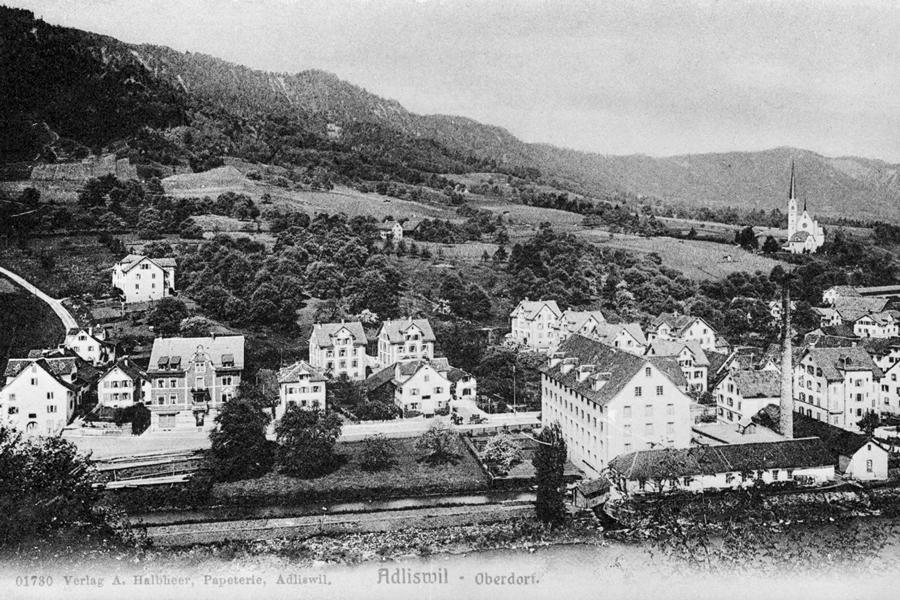 Sicht von ref. Kirche Adliswil auf Oberdorf